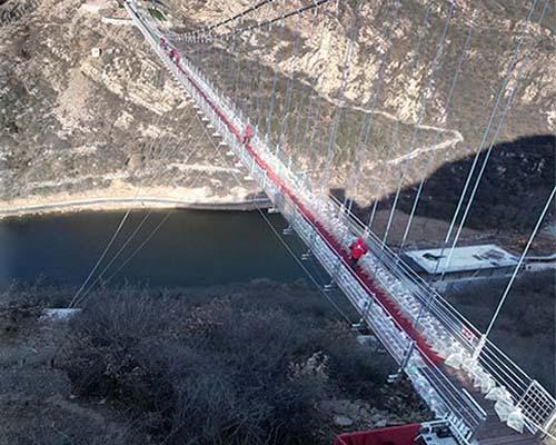 峡谷玻璃吊桥