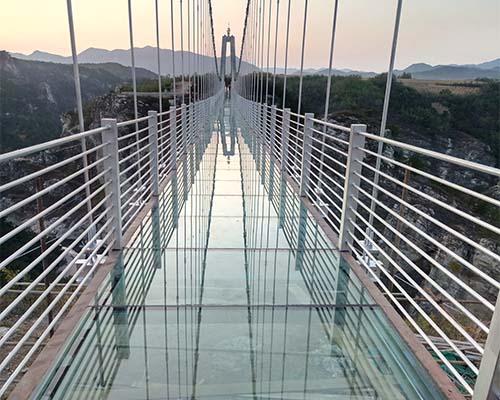 5D玻璃吊桥