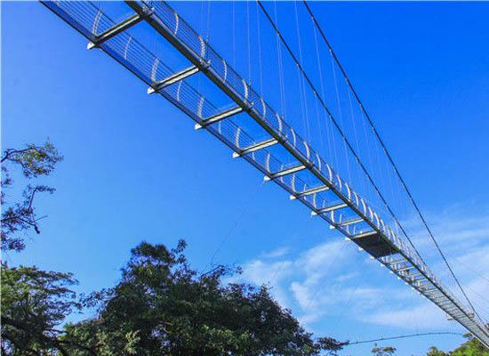高空玻璃吊桥安装
