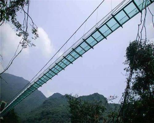 景观玻璃吊桥