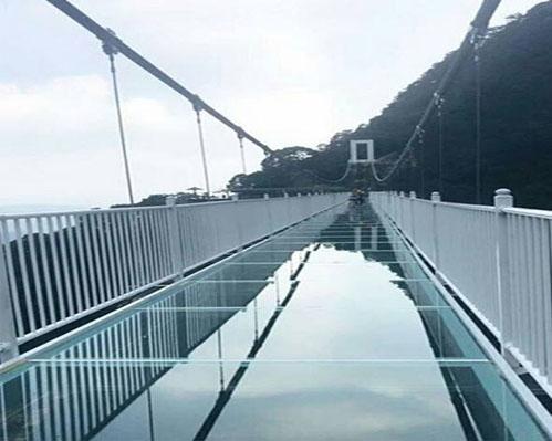 景区玻璃桥