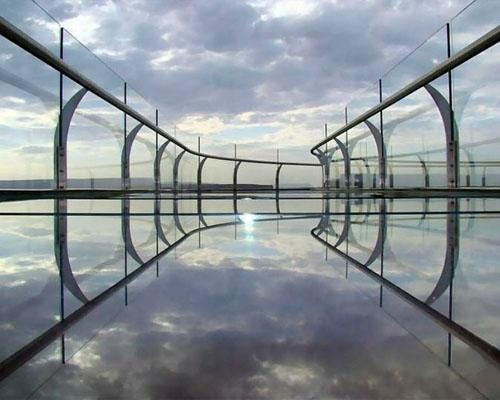 河南玻璃桥