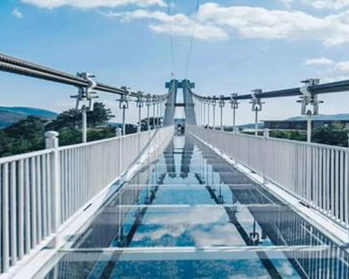 新乡玻璃吊桥安装